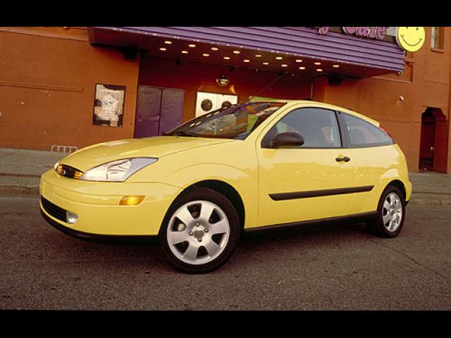 Junk 2004 Ford Focus in Columbus