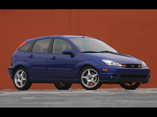 Junk 2004 Ford Focus in West Palm Beach