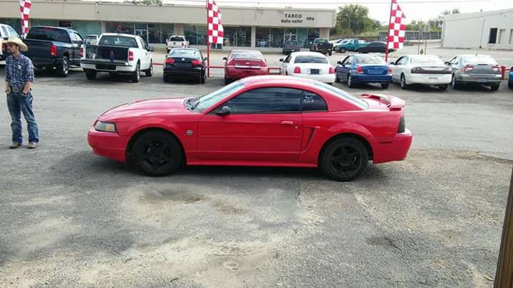 Junk 2004 Ford Mustang in Waco