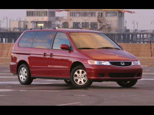 Junk 2004 Honda Odyssey in Saint James