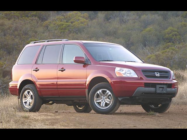 Junk 2004 Honda Pilot in Lowell