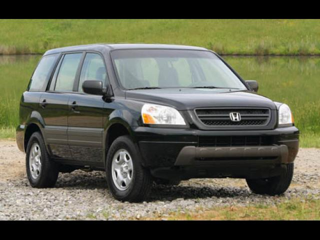 Junk 2004 Honda Pilot in Old Forge