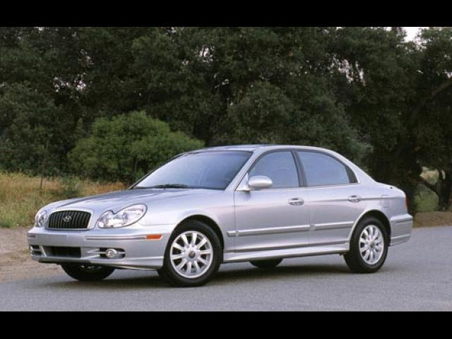 Junk 2004 Hyundai Sonata in West Covina