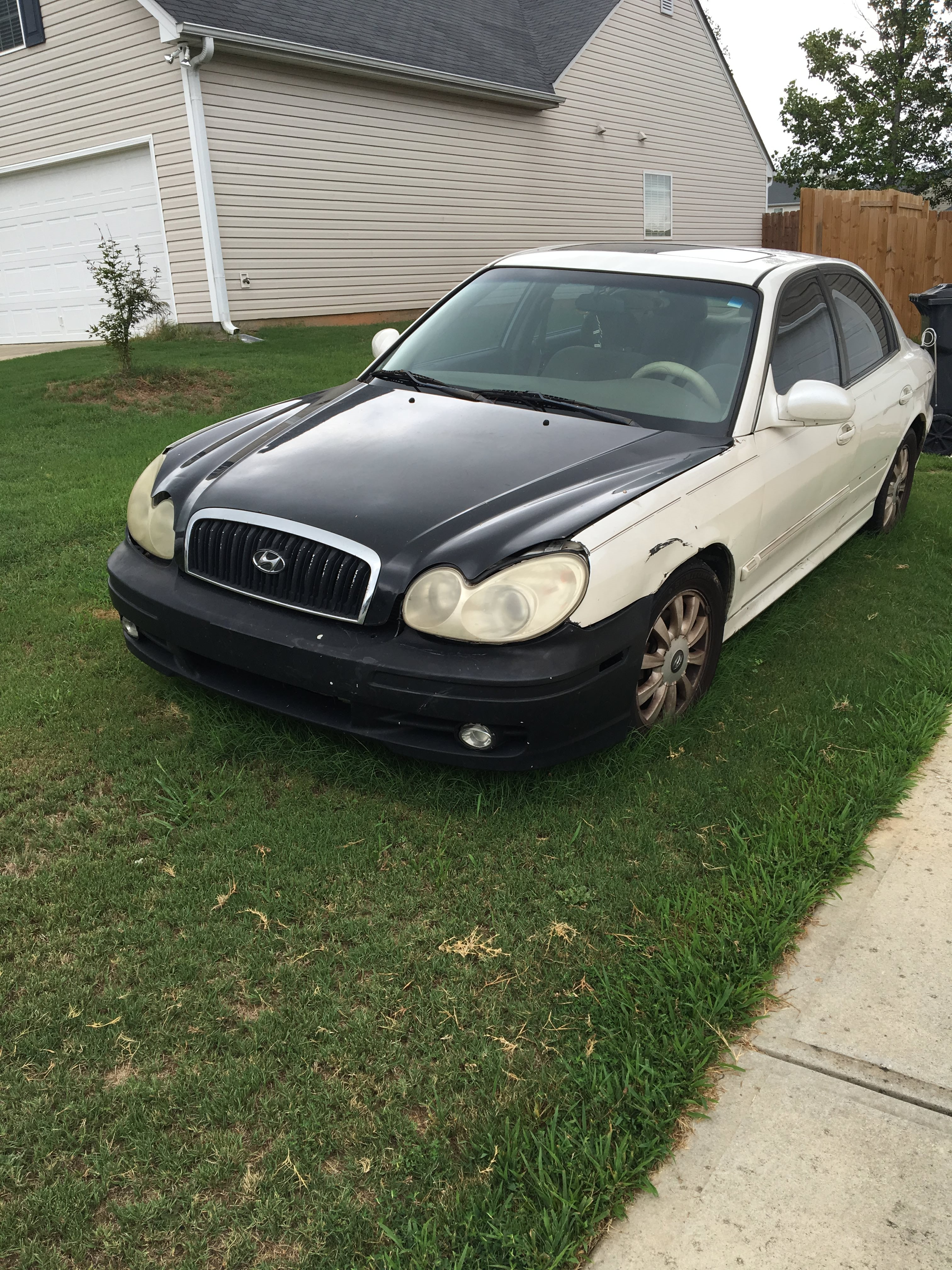Junk 2004 Hyundai Sonata in Winder