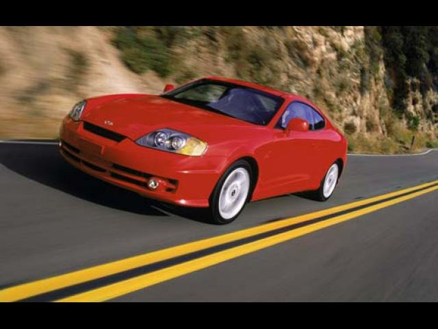 Junk 2004 Hyundai Tiburon in Winter Haven