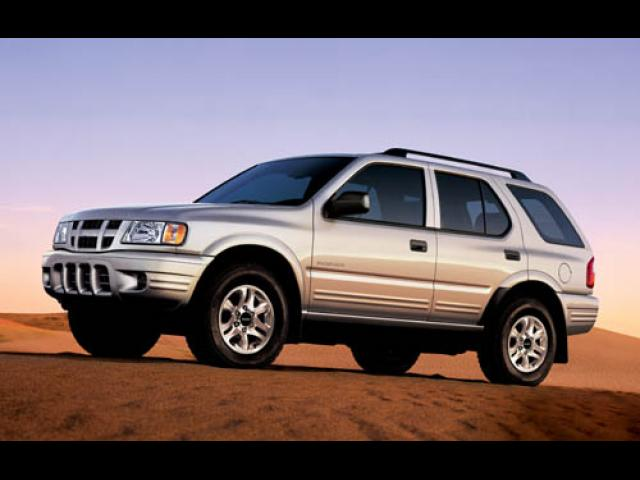 Junk 2004 Isuzu Rodeo in Converse