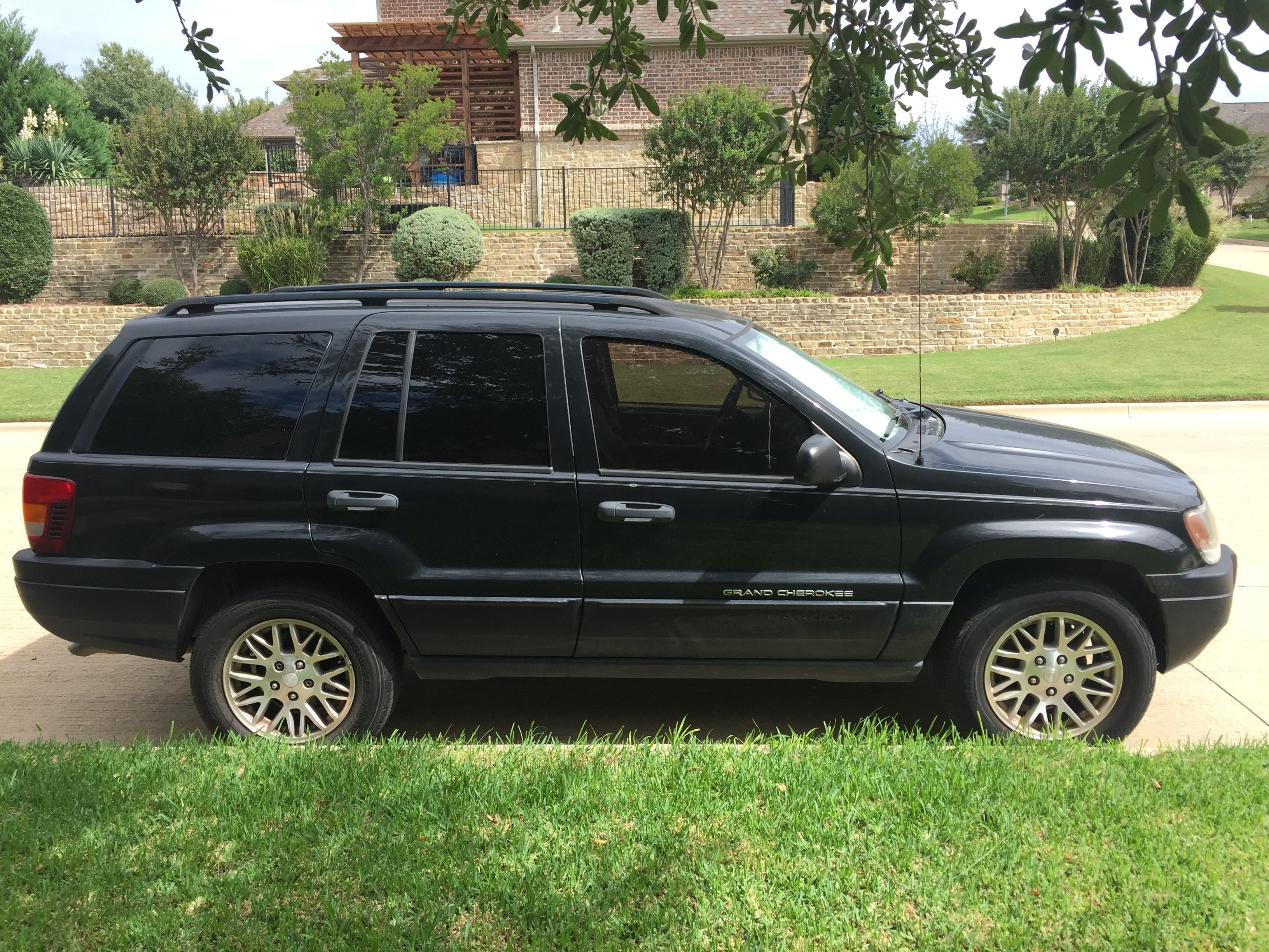 Junk 2004 Jeep Grand Cherokee in Aledo