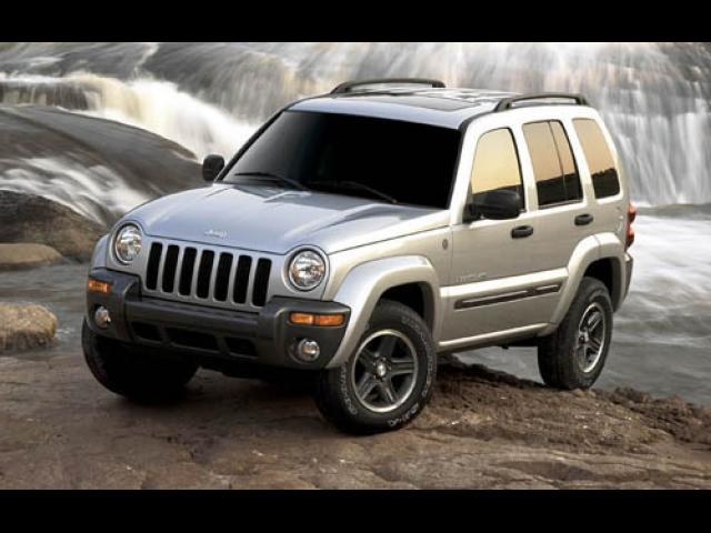 Junk 2004 Jeep Liberty in Pittston