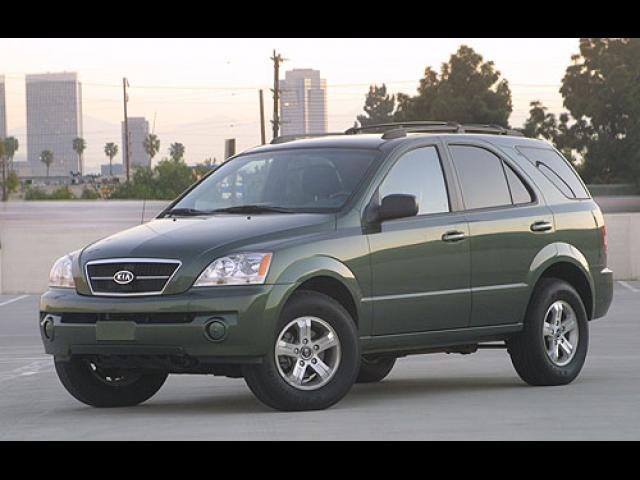 Junk 2004 Kia Sorento in Homestead