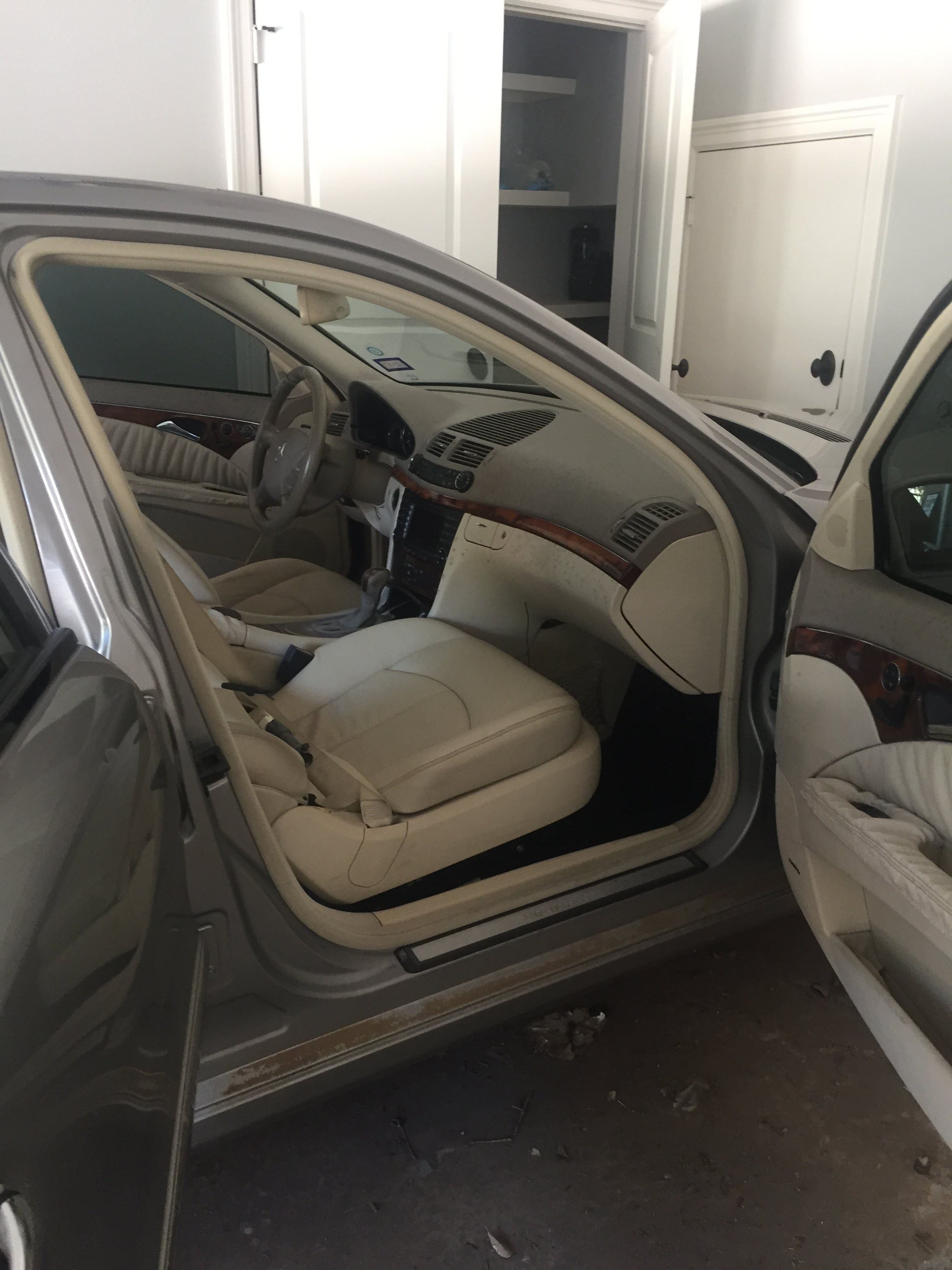 Junk 2004 Mercedes-Benz E in Houston