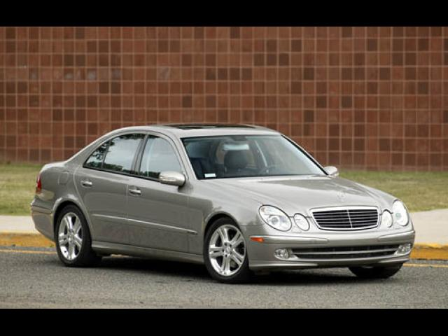 Junk 2004 Mercedes-Benz E in Tustin