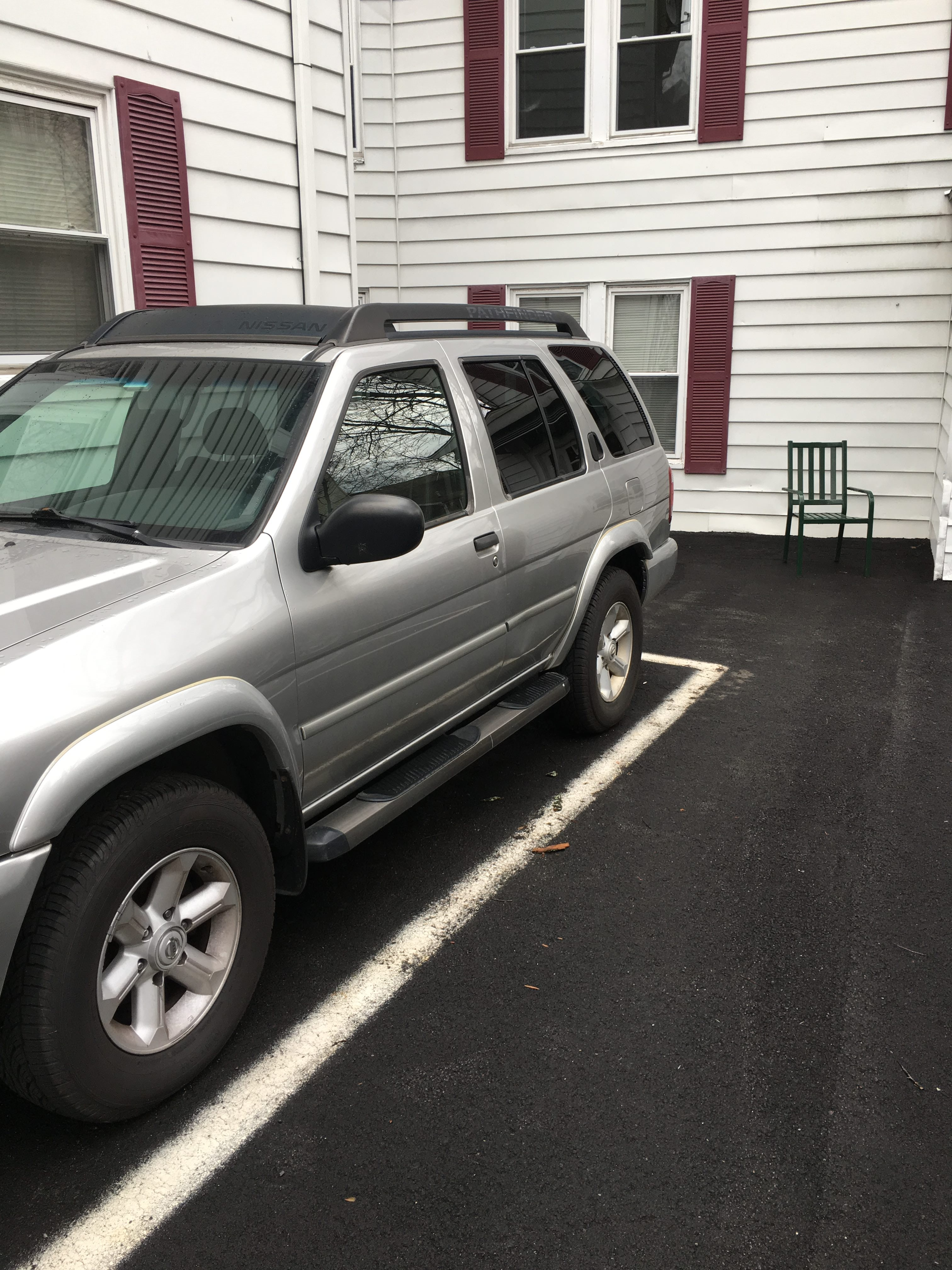 Junk 2004 Nissan Pathfinder in Brookline