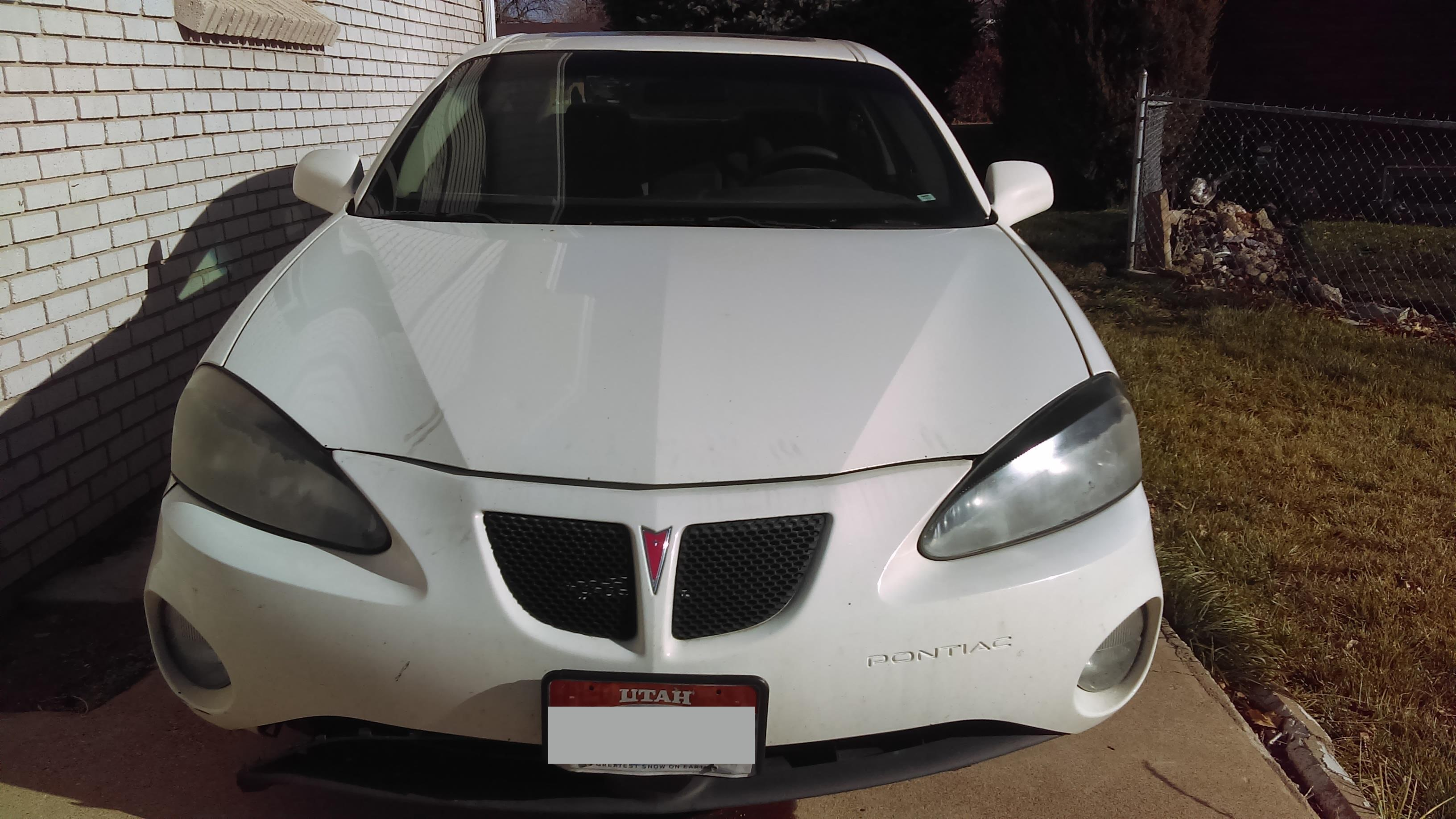 Junk 2004 Pontiac Grand Prix in Clearfield