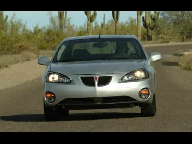 Junk 2004 Pontiac Grand Prix in The Colony