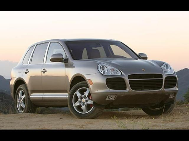 Junk 2004 Porsche Cayenne in Los Angeles