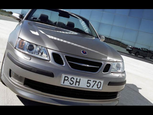 Junk 2004 Saab 9-3 in Monument