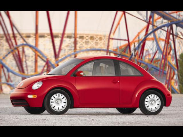 Junk 2004 Volkswagen Beetle in Harvey