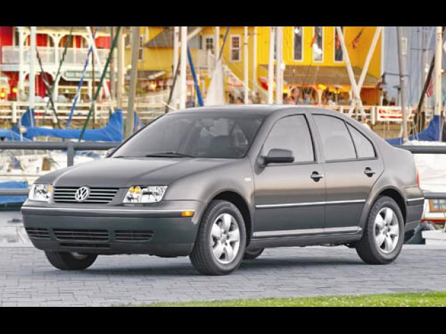 Junk 2004 Volkswagen Jetta in Jones