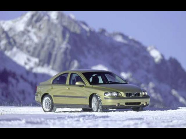 Junk 2004 Volvo S60 in Saint Amant