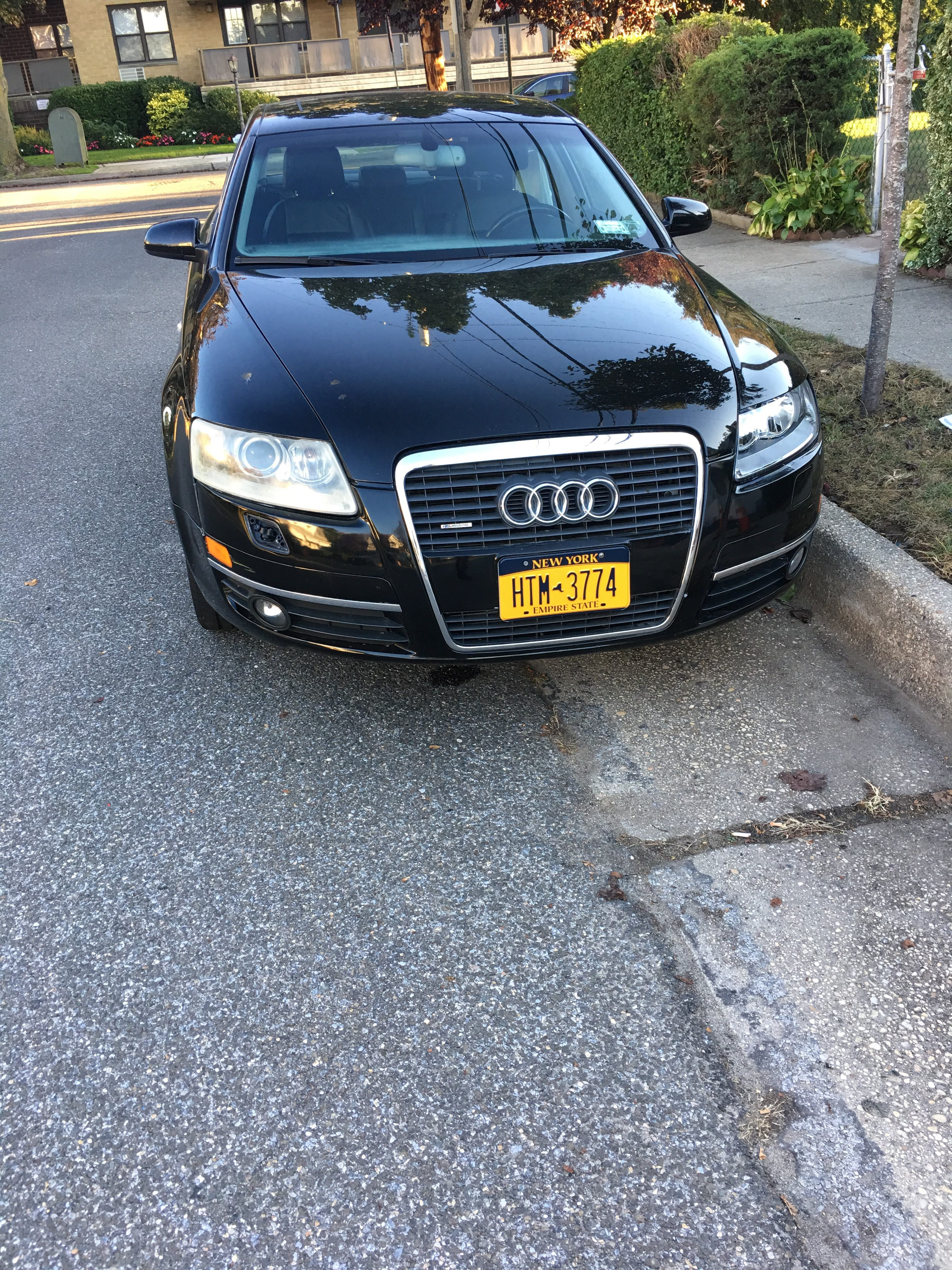 Junk 2005 Audi A6 in Mineola