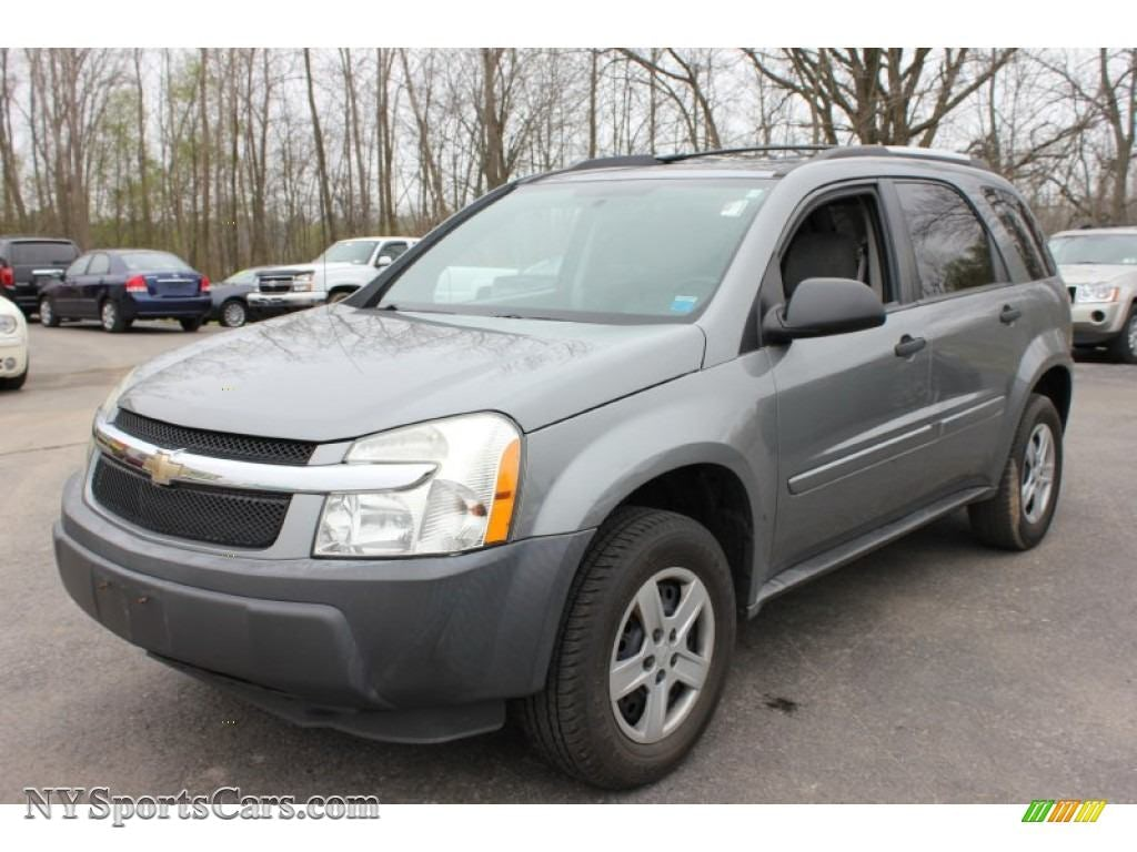 Junk 2005 Chevrolet Equinox in North Bergen