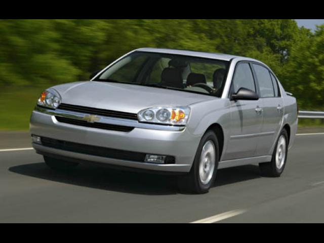 Junk 2005 Chevrolet Malibu in Sterling Heights