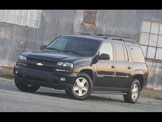 Junk 2005 Chevrolet TrailBlazer in Chicago