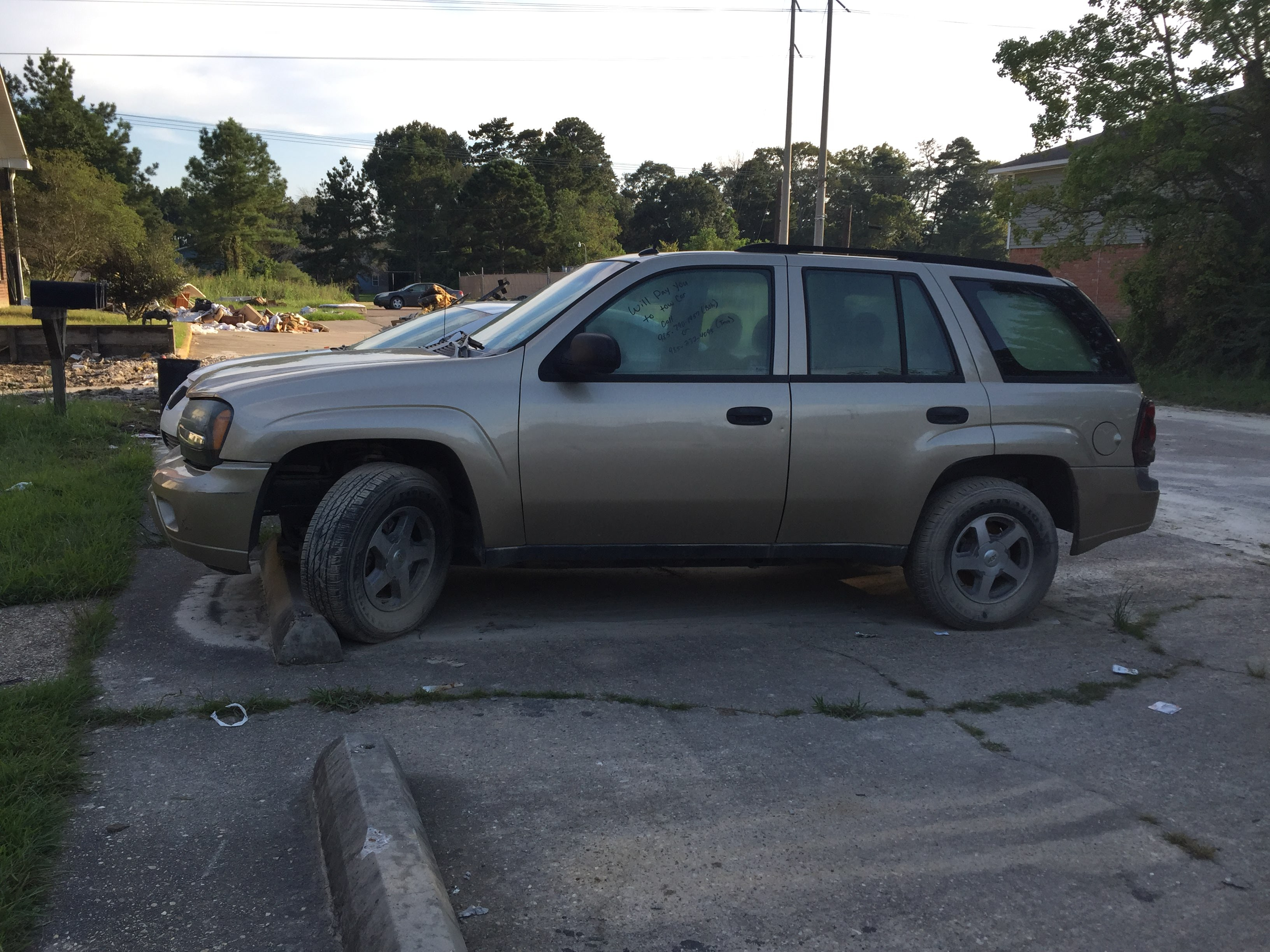Junk 2005 Chevrolet TrailBlazer in Denham Springs