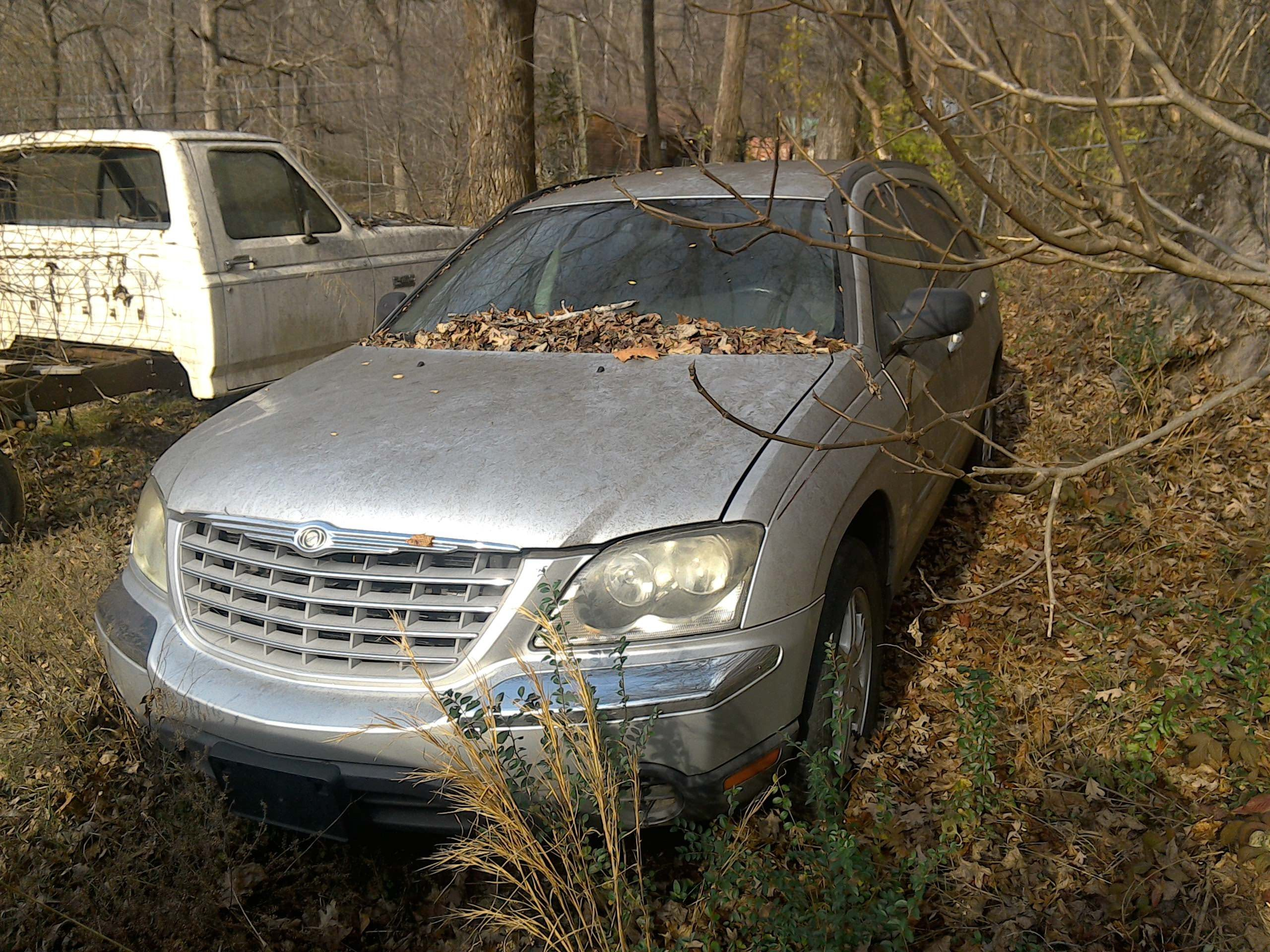 Junk 2005 Chrysler Pacifica in Chattanooga