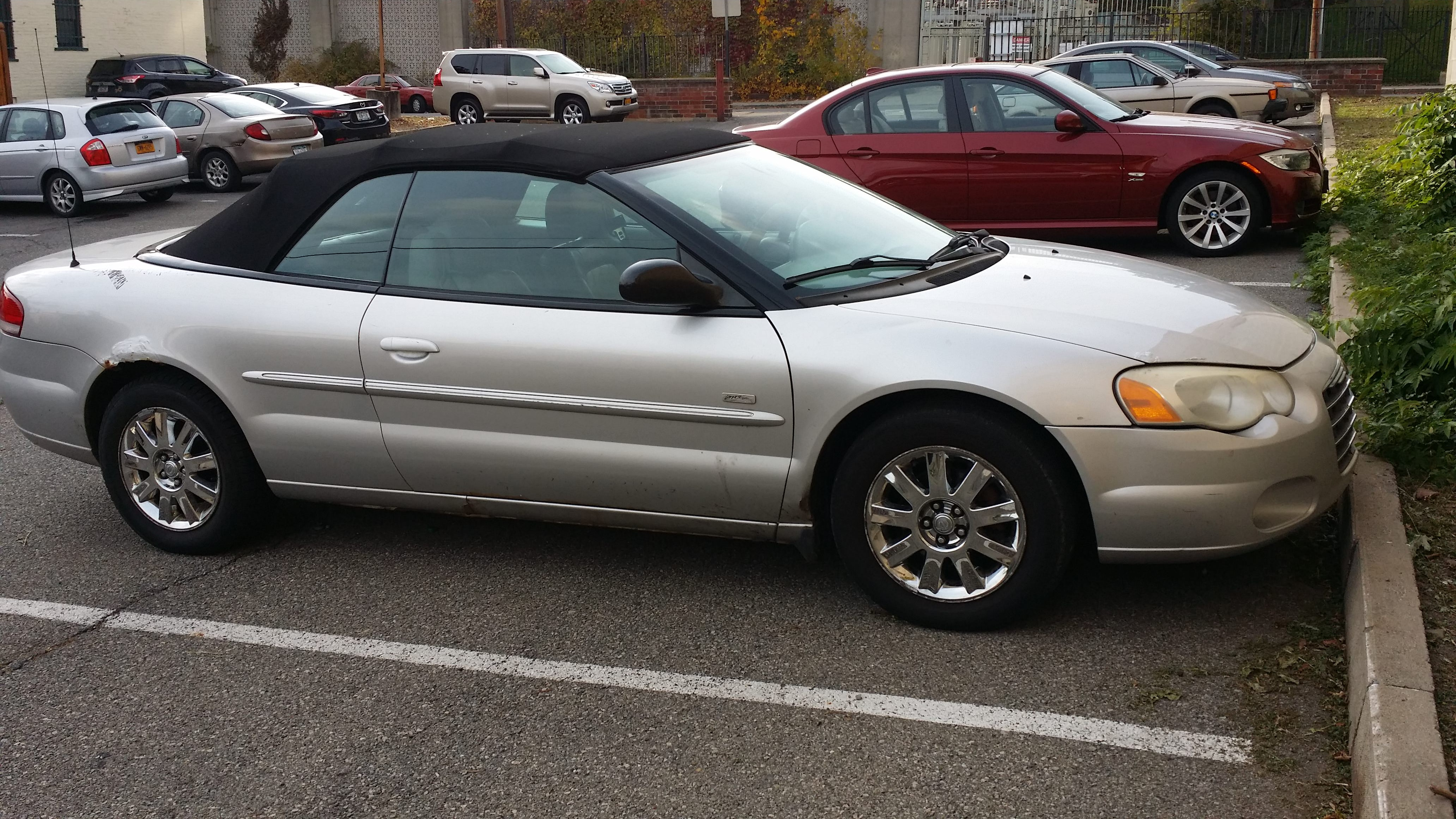 Junk 2005 Chrysler Sebring in Albany
