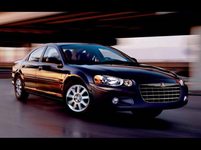 Junk 2005 Chrysler Sebring in Arlington