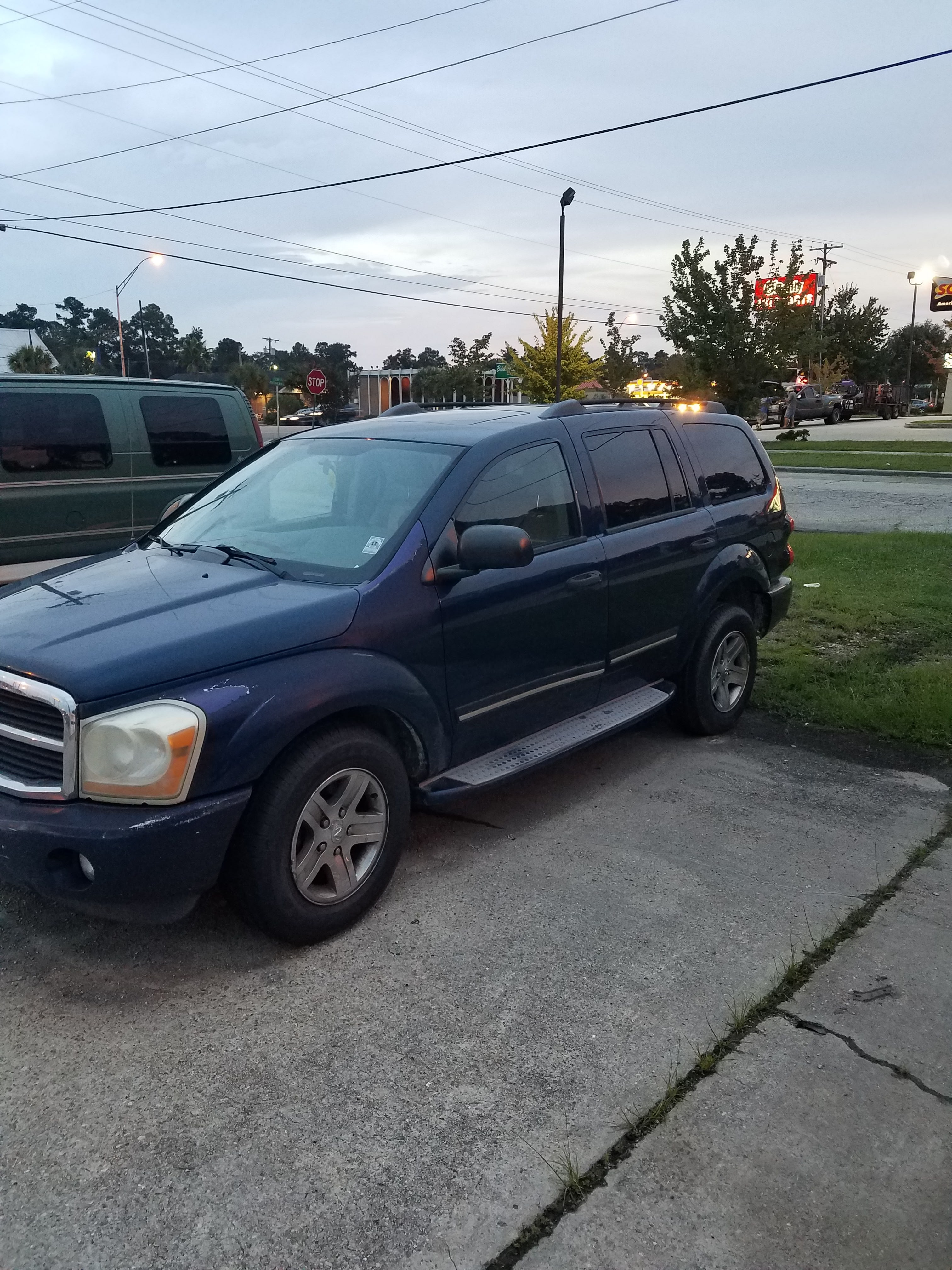 Junk 2005 Dodge Durango in Slidell