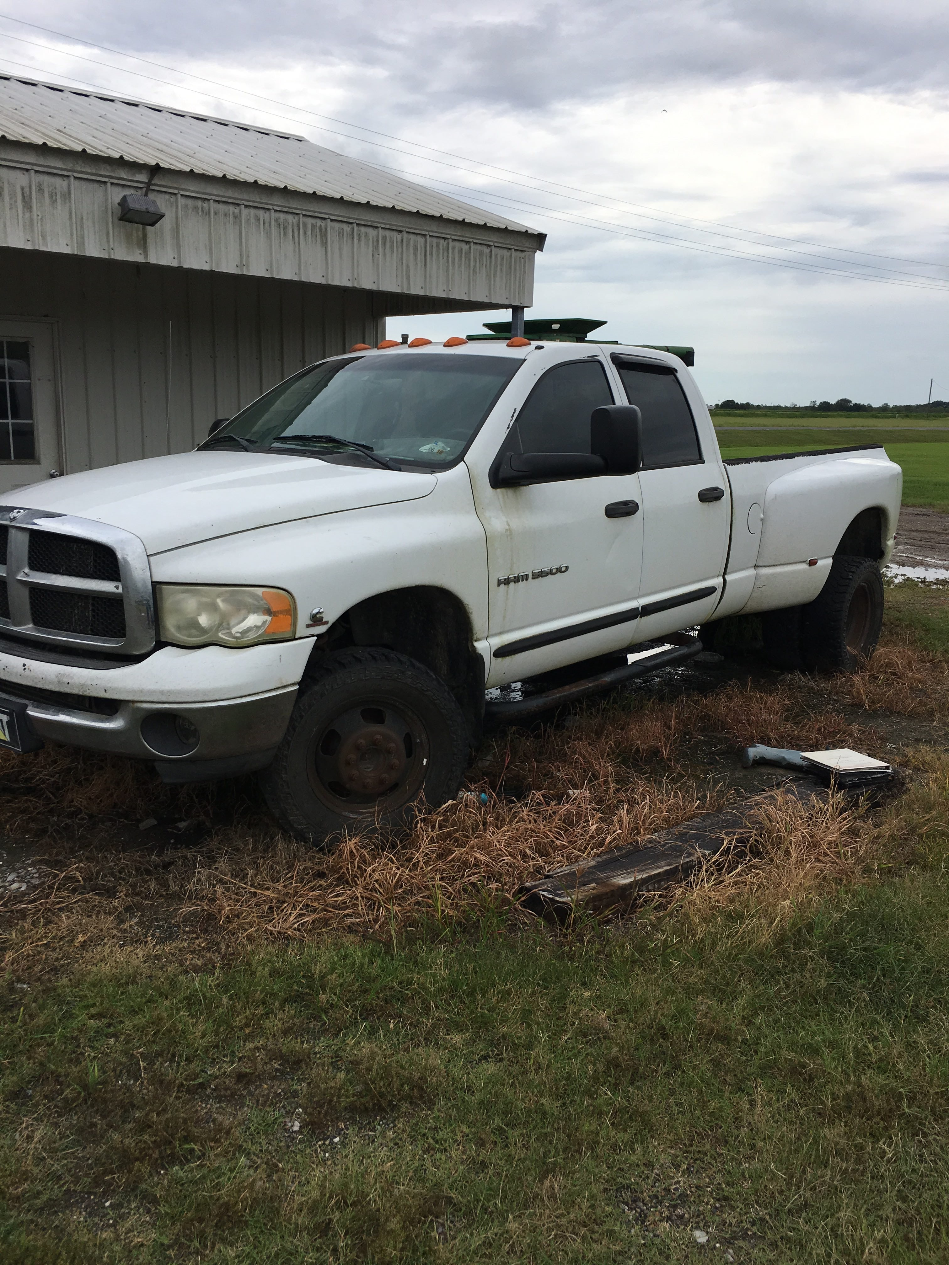 Junk 2005 Dodge RAM 3500 in Gueydan