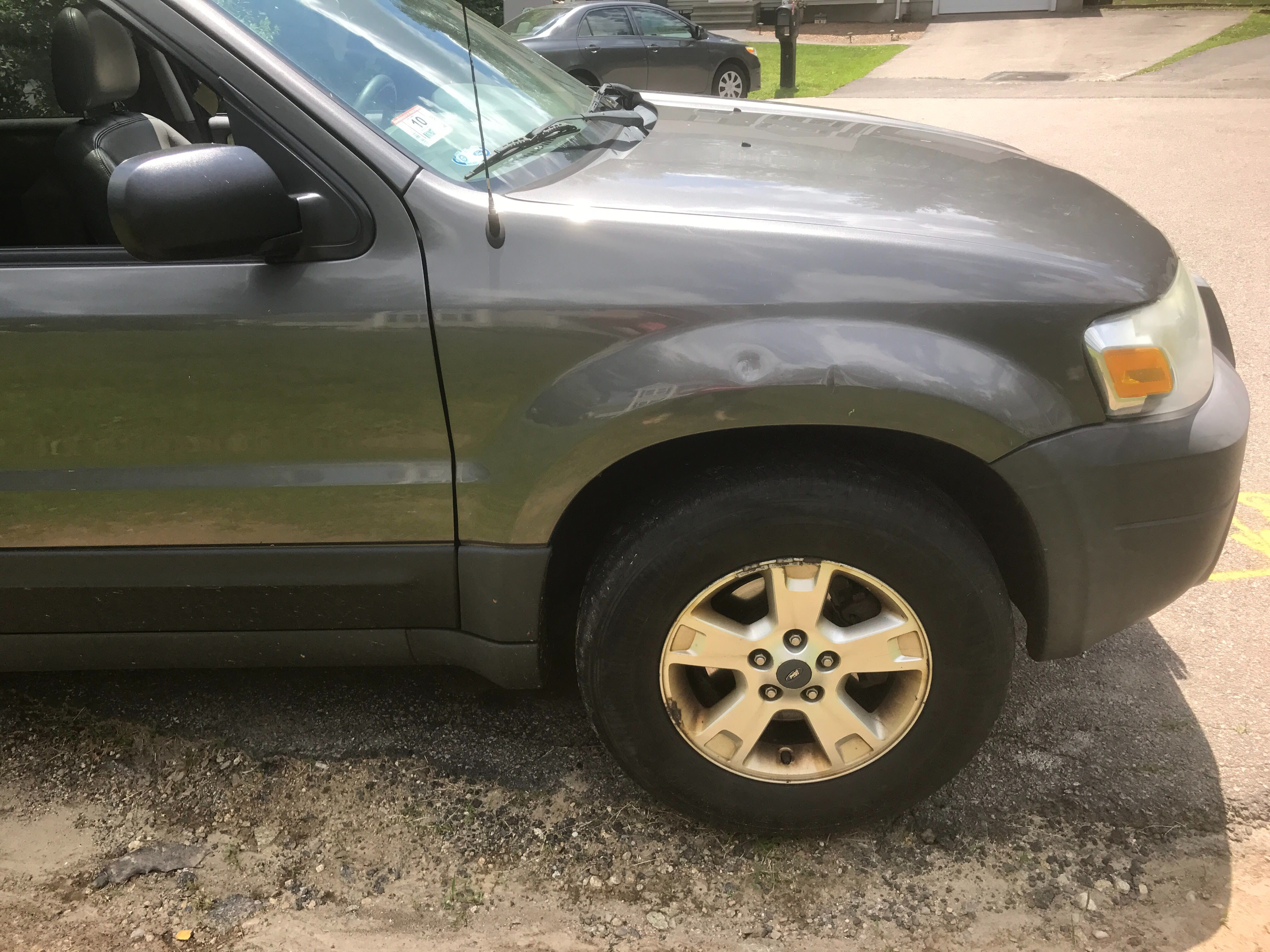 Junk 2005 Ford Escape in Bellingham