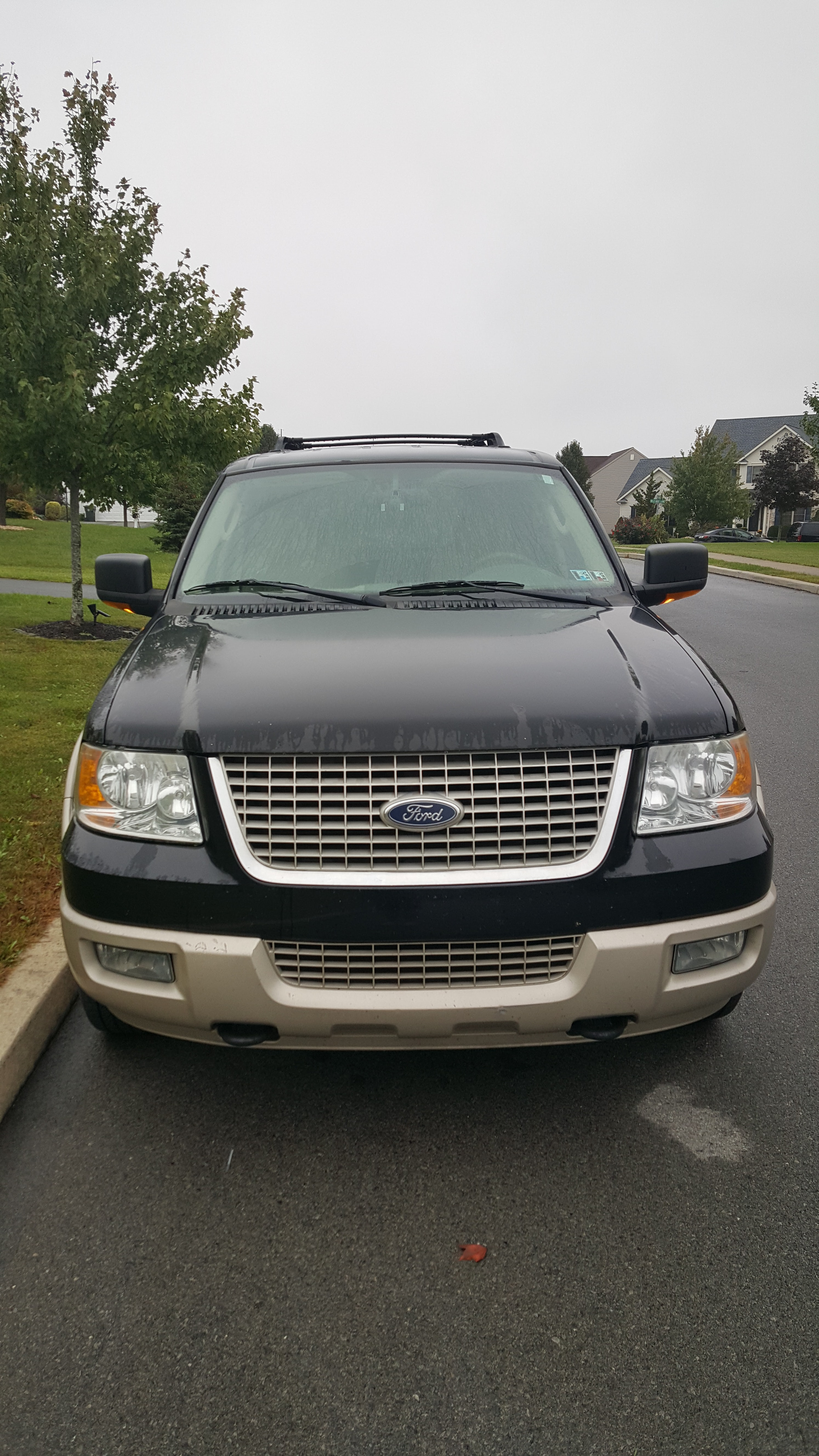Junk 2005 Ford Expedition in Allentown