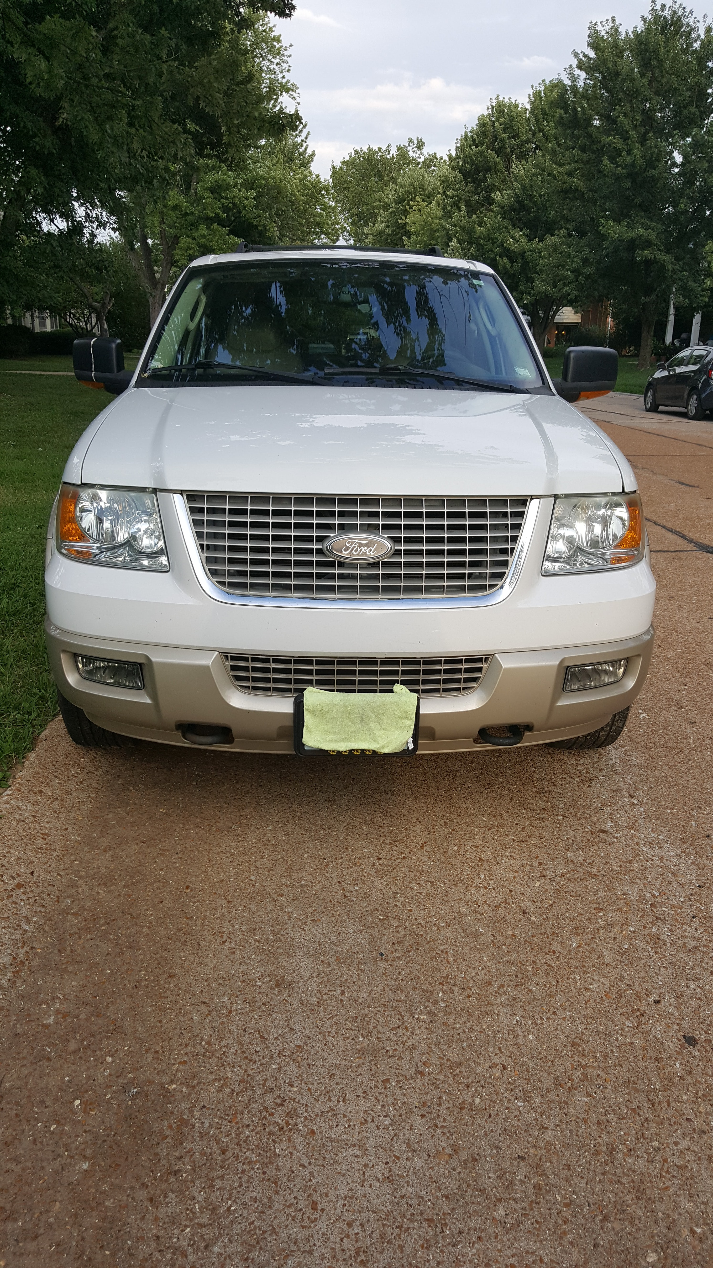 Junk 2005 Ford Expedition in Chesterfield