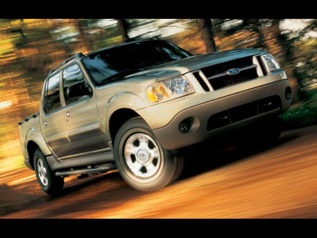 Junk 2005 Ford Explorer Sport Trac in Chicago