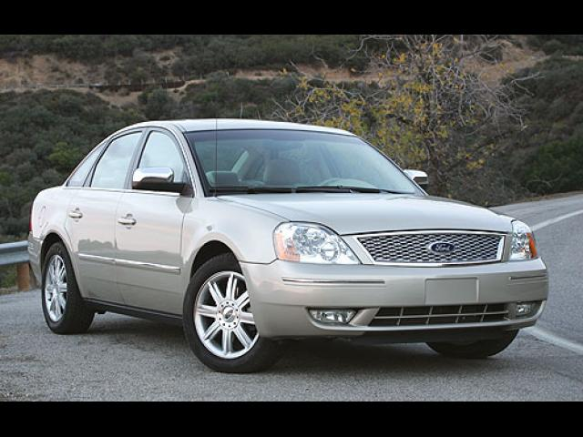 Junk 2005 Ford Five Hundred in Sachse