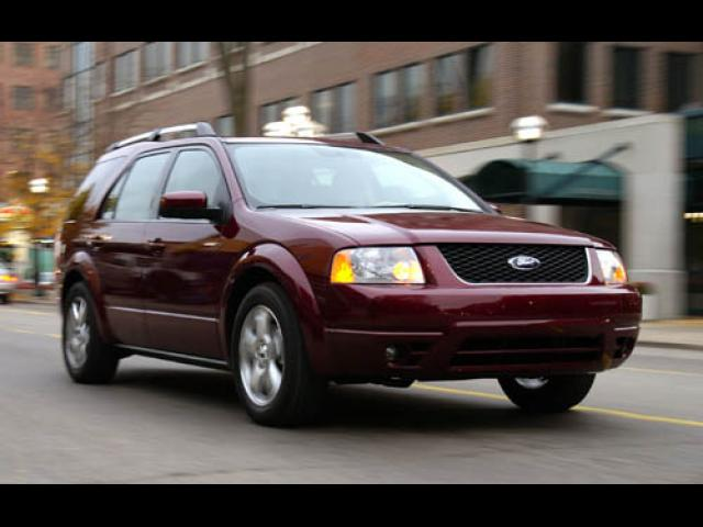 Junk 2005 Ford Freestyle in San Antonio