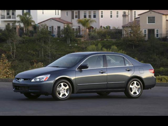 Junk 2005 Honda Accord in Islip