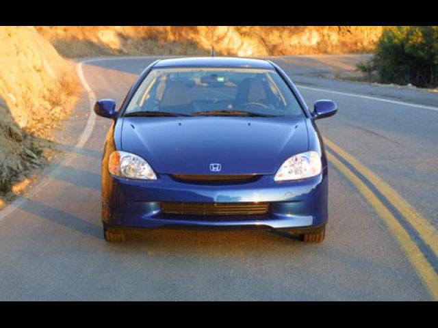 Junk 2005 Honda Insight in Laurelville