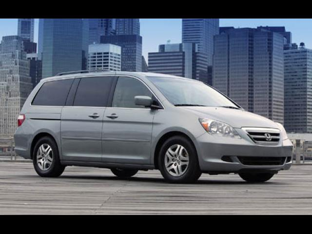 Junk 2005 Honda Odyssey in Long Island City