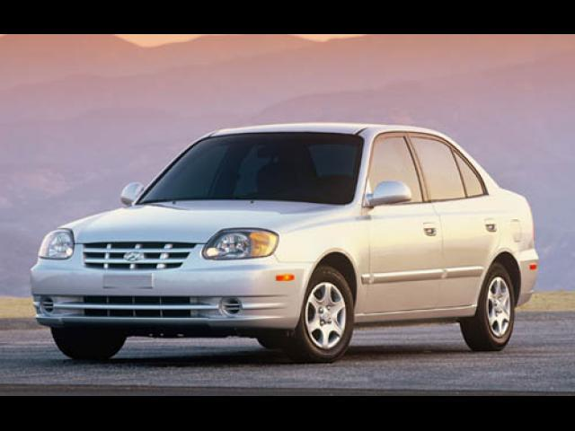 Junk 2005 Hyundai Accent in Houston