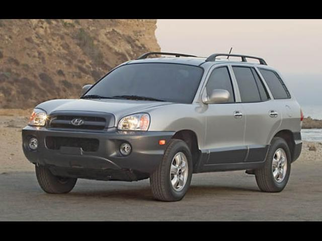 Junk 2005 Hyundai Santa Fe in Media
