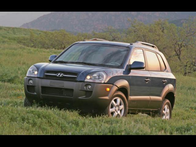 Junk 2005 Hyundai Tucson in Los Angeles