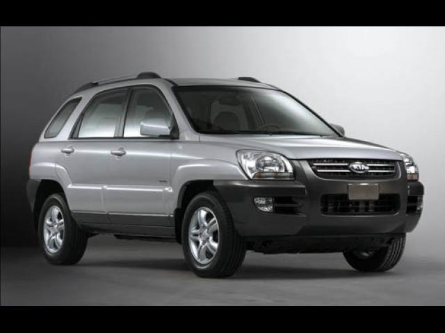Junk 2005 Kia New Sportage in Stockton