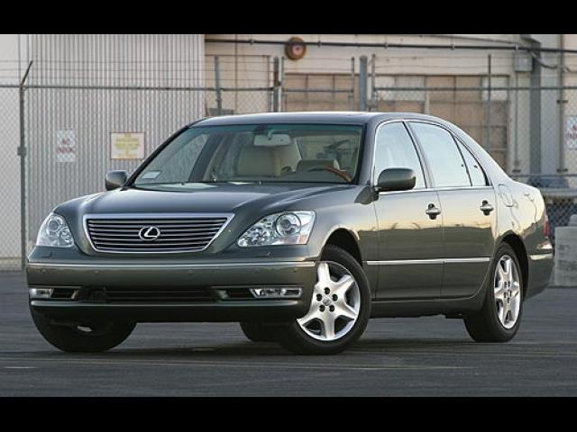 Junk 2005 Lexus LS in Beaverton