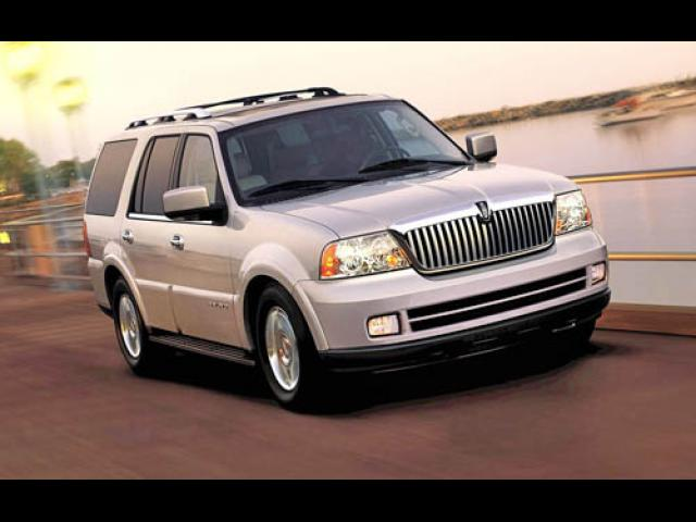 Junk 2005 Lincoln Navigator in New Orleans