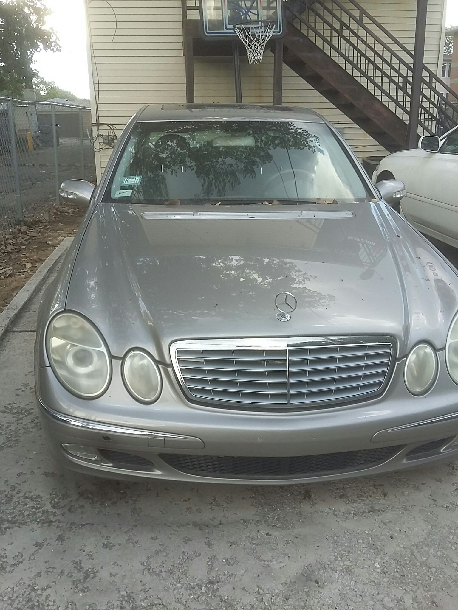 Junk 2005 Mercedes-Benz E-Class in Chicago