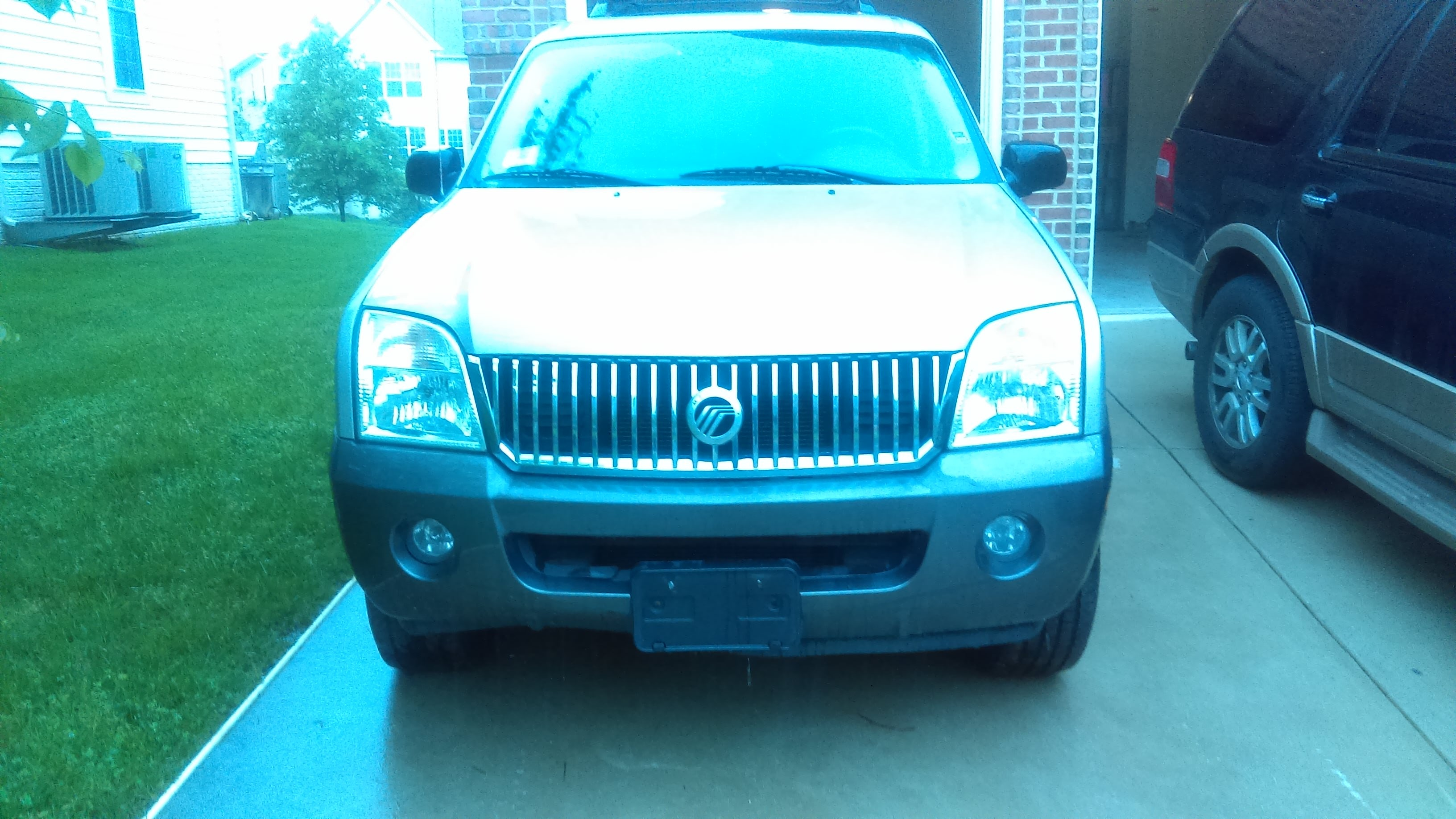 Junk 2005 Mercury Mountaineer in Bowie